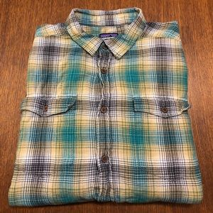 Patagonia organic cotton button up shirt men's sm